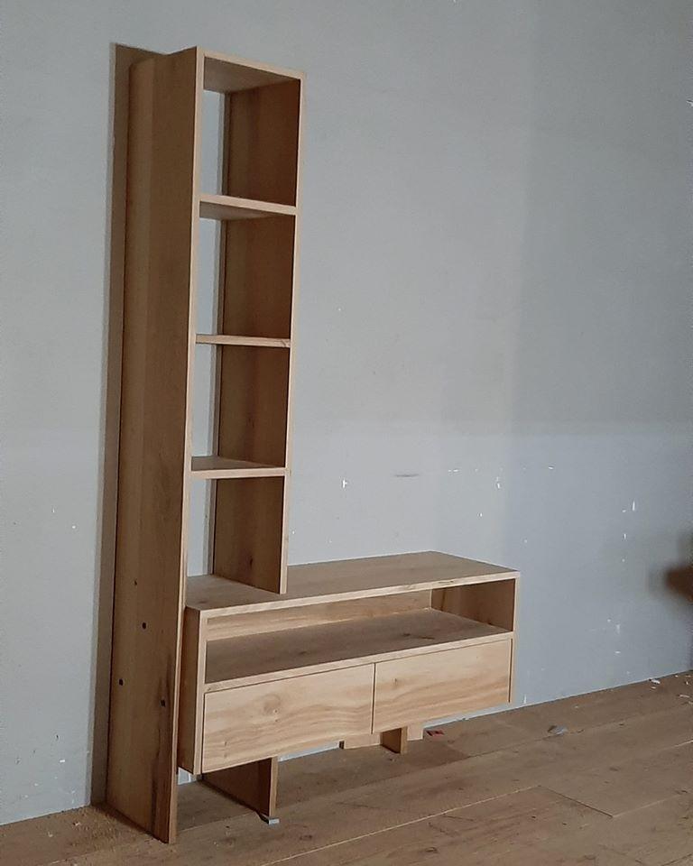 tv meubel met een boekenkast (ongerookt)